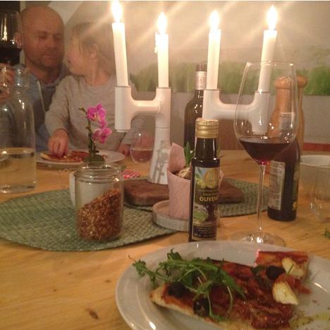 Italien zuhause mit selbstgemachter Pizza_My Kitchen Logbook by Marlene Grünzweil
