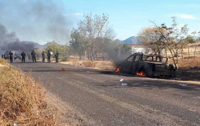 Un fuerte enfrentamiento entre sicarios del CJNG y el Cárteles Unidos se registró esta madrugada en Tepalcatepec, Michoacán.