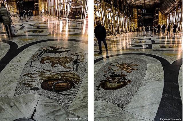 Galeria Umberto I em Nápoles, Itália