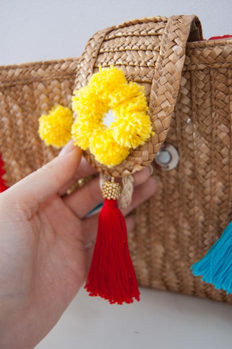 bag-pompons-tassels