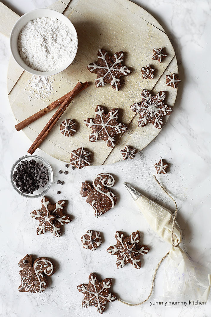 vegan gingerbread cookies with coconut oil