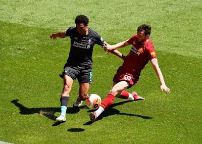 Liverpool đá trận đầu tiên hậu Covid-19: Mane lập công, hạ gục Salah 2