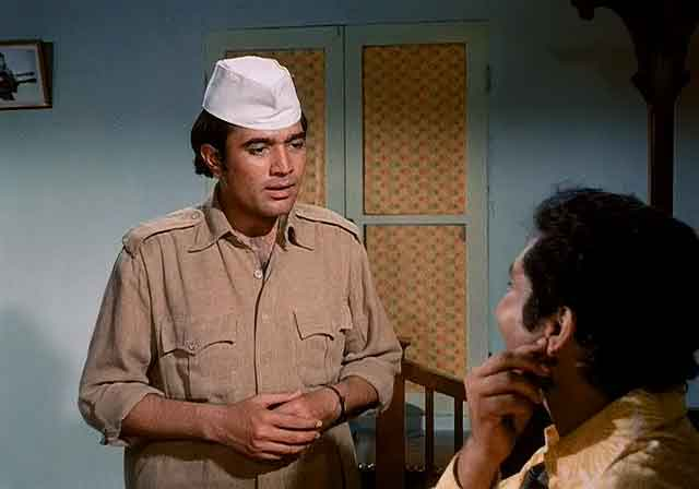 Screen Shot Of Hindi Movie Bawarchi (1972) Download And Watch Online Free at worldofree.co