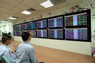 Hơn 210,2 triệu cổ phiếu trị giá hơn 5,75 nghìn tỷ đồng