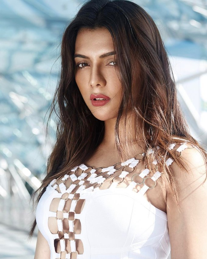 Model and Actress Ruhi Singh Hot Photoshoot Gallery