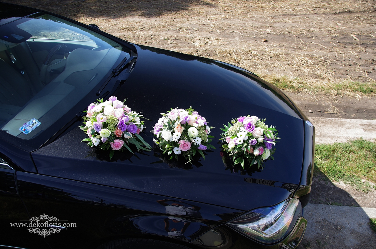 Pastelowa dekoracja samochodu Młodej Pary - ślub opolskie
