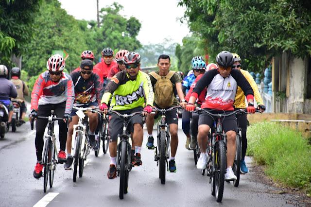 Gowes Bareng Kasdam IV/ Diponegoro Melintasi Klaten