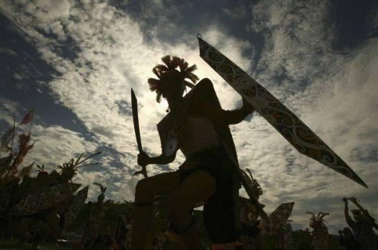 Mitos PangLima Burung Sosok Legendaris Suku Dayak yang Mengerikan