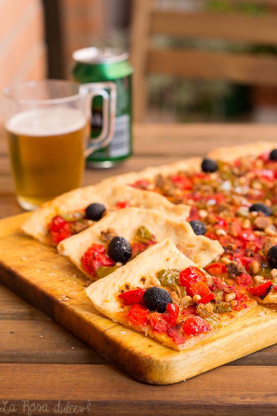 Coca de tomate y pimiento típica valenciana | la Rosa dulce