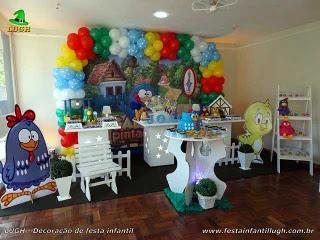 Decoração mesa de aniversário da Galinha Pintadinha
