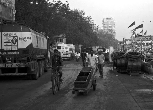 periphal, street, sassoon docks, mumbai, india, people, monochrome, black and white weekend, black and white,