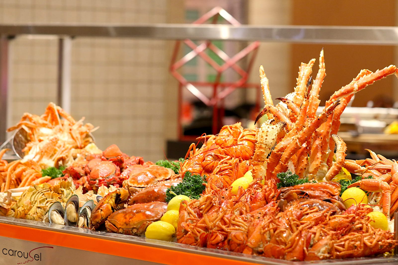 Crab and Lobster Seafood Buffet at Carousel, Royal Plaza on Scotts |  CAMEMBERU
