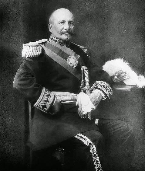 Hermes da Fonseca instituiu a faixa presidencial, durante o seu governo.