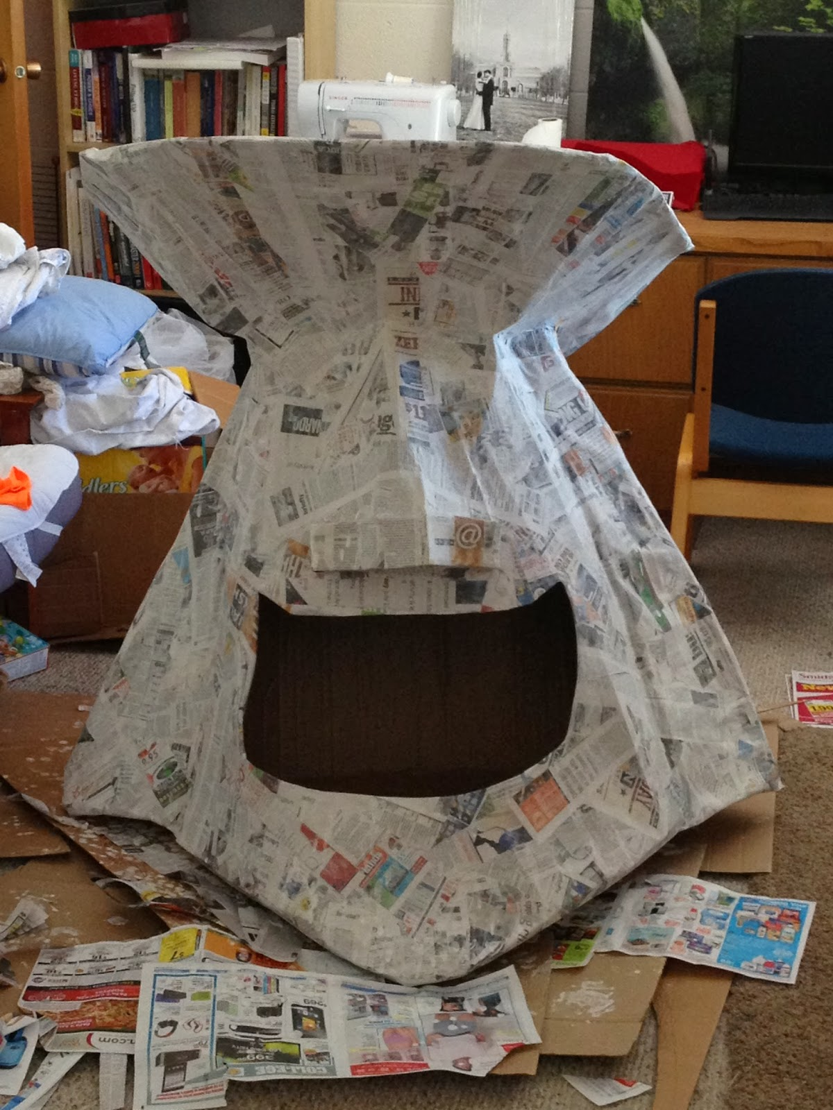 Spencer 39 s crazy artistic life adventure giant paper mache for Paper mache structure