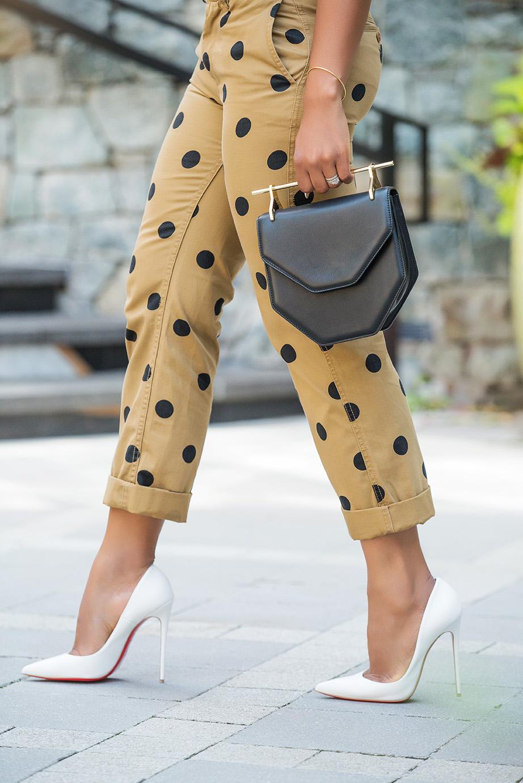 Polka dot chinos, khaki, www.jadore-fashion.com