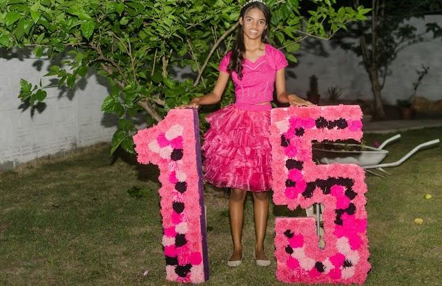 Aniversário  de 15 anos da debutante  Leandra Regina