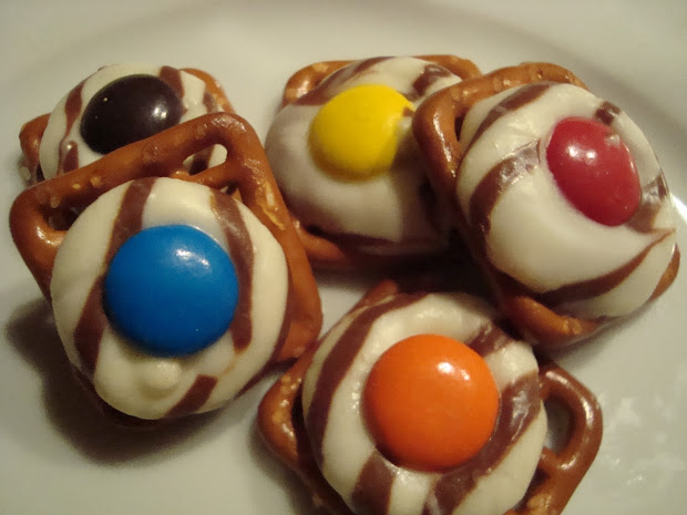 Little Cooking Chocolate Pretzel Snaps