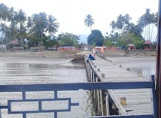 Dermaga Pantai Lemo Burau