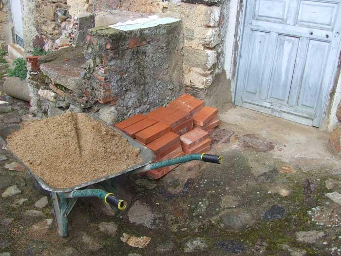 Une belle bordure pour vos massifs les tribulations d 39 un - Bordure ciment jardin ...