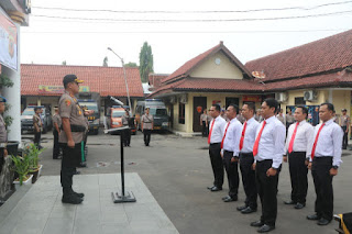 Ungkap 255,74 Gram Delapan Personil  Menerima Penghargaa Dari Kapolres Cirebon Kota