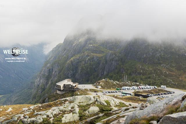 Wanderparkplatz des Gasthofes Øygardstølen bei Lysebotn am Lysefjord