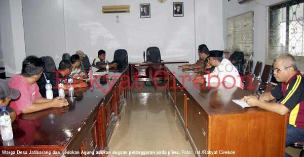 warga dua desa di indramayu mengadu soal pilwu