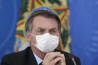 Bolsonaro diz ser absurdo fechar igrejas por coronavírus
