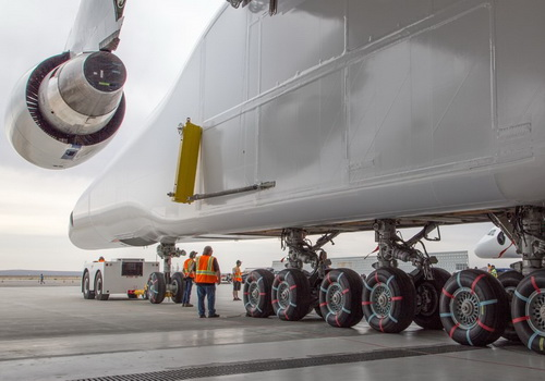 www.Tinuku.com Microsoft Co-Founder Paul Allen launches Stratolaunch plane