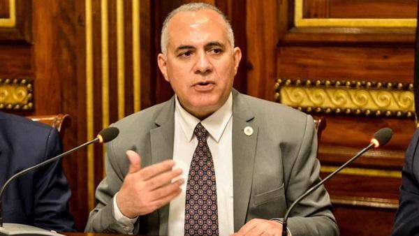 بلاغ ضد وزير الري بسبب تلوث مياه ترعة المحمودية بالبحيرة