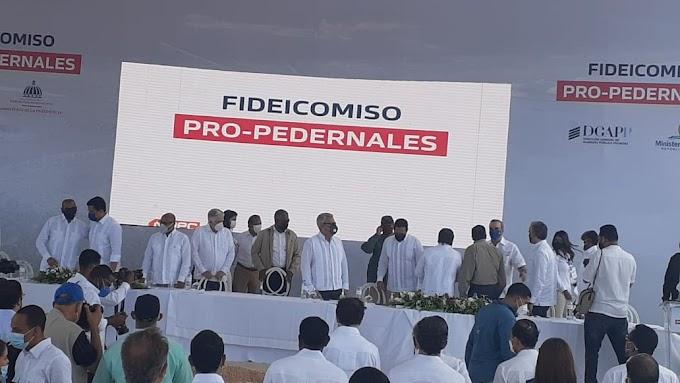 Presidente Abinader da picazo de arranque de las primeras obras en Pedernales, con una inversión de RD$500 MM