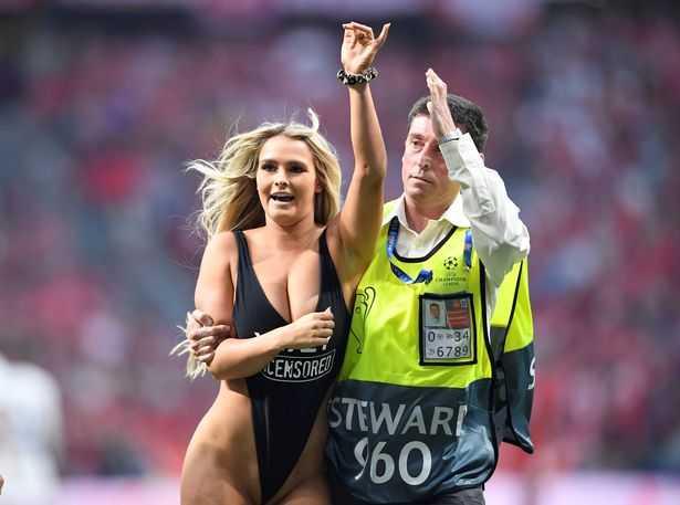 """""""Kiều nữ"""" phá đám trận chung kết Champions League 2019 là ai"""