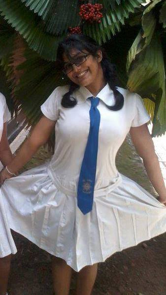 Sri Lankan School Girls - 3  Sri Lankan  Desi Indian Girls-4694