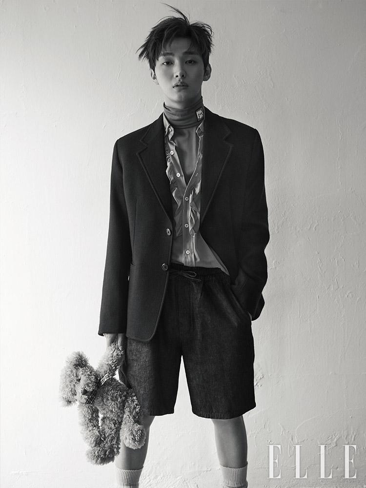 [Magazine] 190131 Yoon Ji Sung @ ELLE Korea