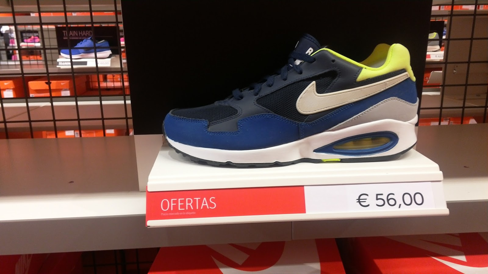 Informe Nike Factory Plaza Mayor Málaga 43f35a48a2073