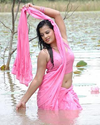 Desi Aunty Navel Show stills in a River | Mallu Surf