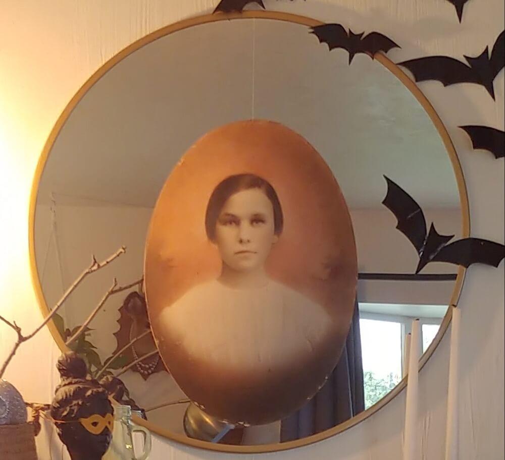 Halloween Home Tour - Fun & Slightly Creepy!