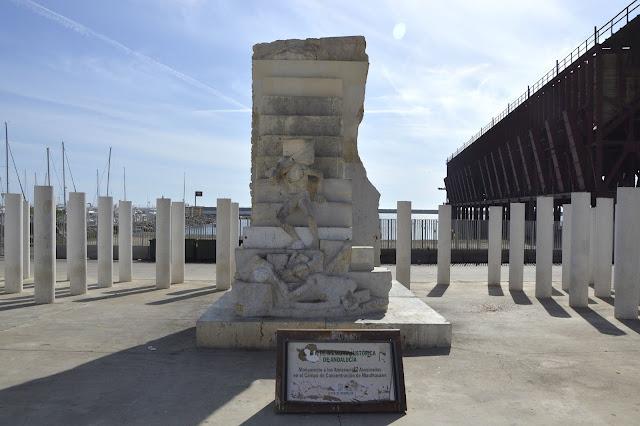 Pomnik 142 ofiar pochodzących z Almerii pomordowanych w obozie koncentracyjnym Mauthausen w Austrii w 1940 r.