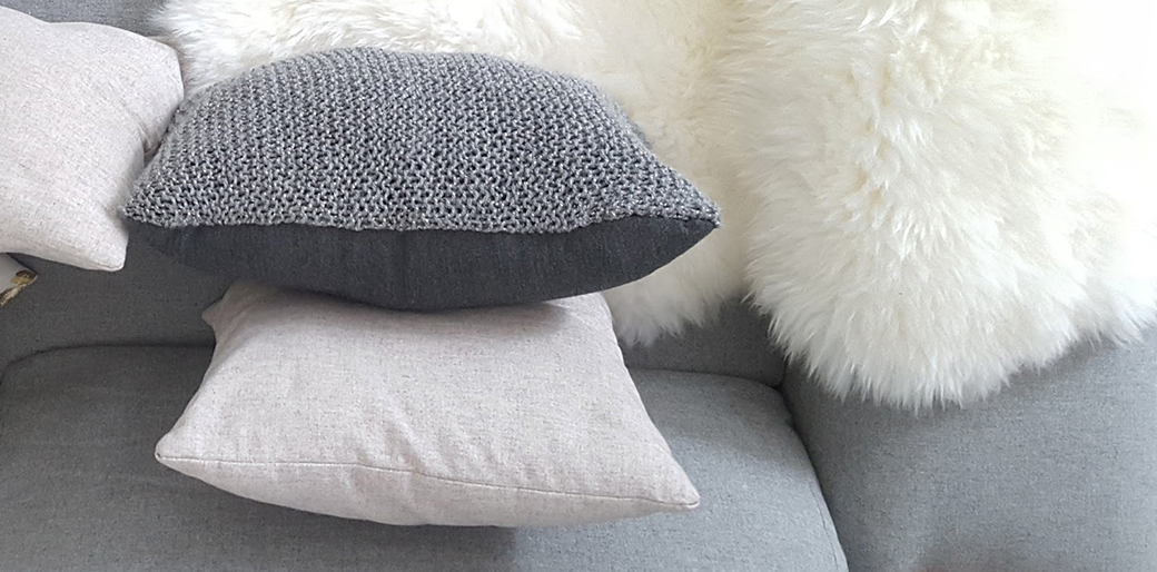 DIY Knitted Cushion