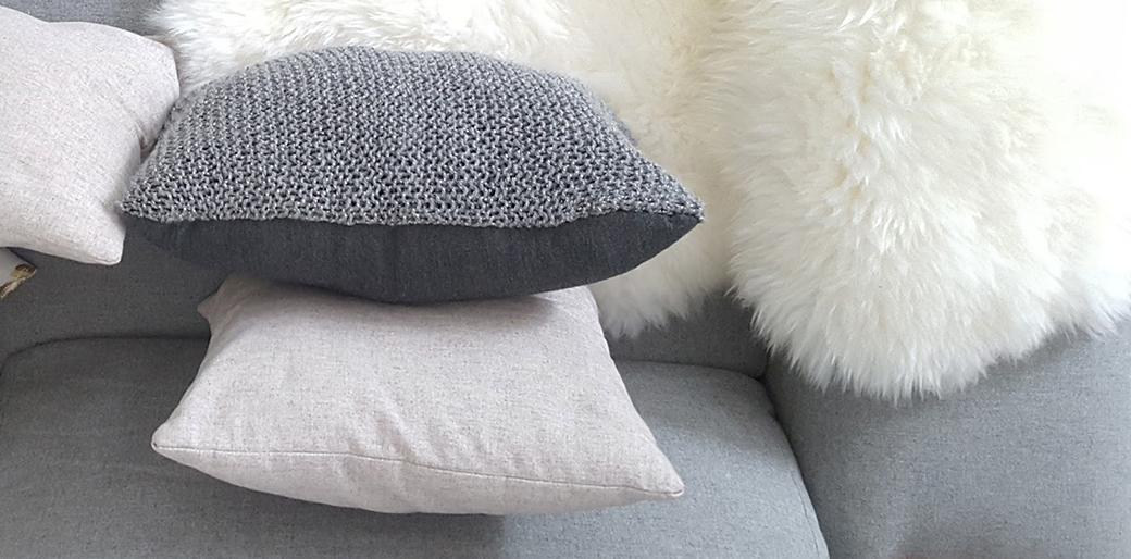 DIY Knitted Cushion