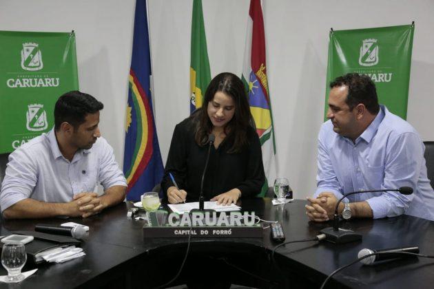 Raquel Lyra assina Ordem de Serviço para início das obras da Via Parque
