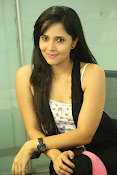 Anasuya latest sizzling photo shoot-thumbnail-11