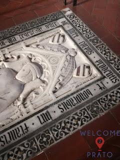 Imamgine della lastra tombale di Francesco Datini