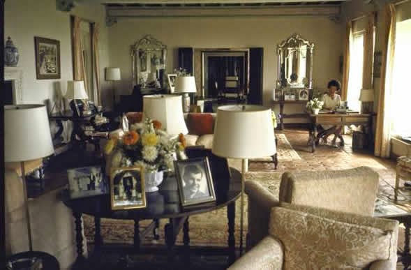 The Glam Pad The Kennedy Quot Winter White House Quot Is For Sale