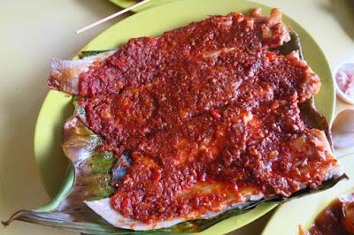 Alan Banana Leaves BBQ Seafood, stingray