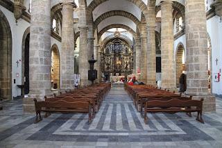 Interior de la catedral antigua de Cádiz o iglesia de Santa cruz
