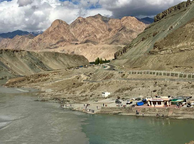 Sangam - Zanskar river and Indus river