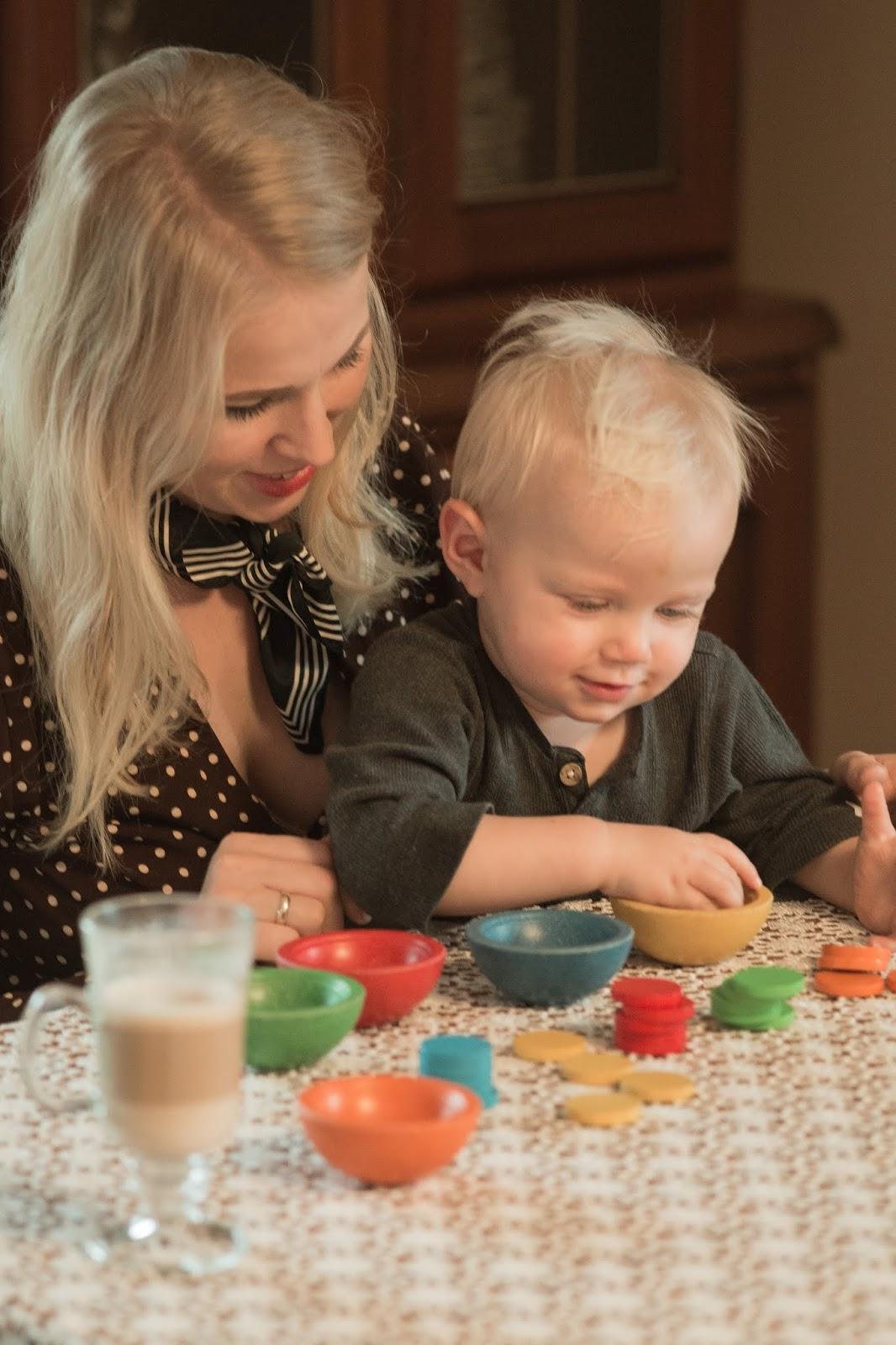 KOLOROWE KUBECZKI do sortowania Plan Toys