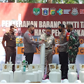 Kapolda Metro Jaya Serahkan Ratusan Tabung Oksigen Hasil Sitaan Untuk Warga Isoman
