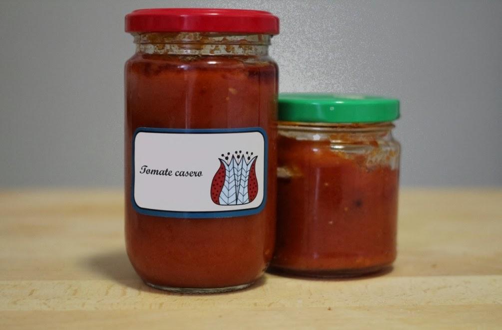 http://eldulcemundodenerea.blogspot.com.es/2013/12/salsa-de-tomate-casera.html