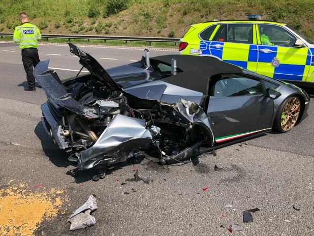 Man crashes new £200,000 Lamborghini just 20 minutes after picking it up from showroom